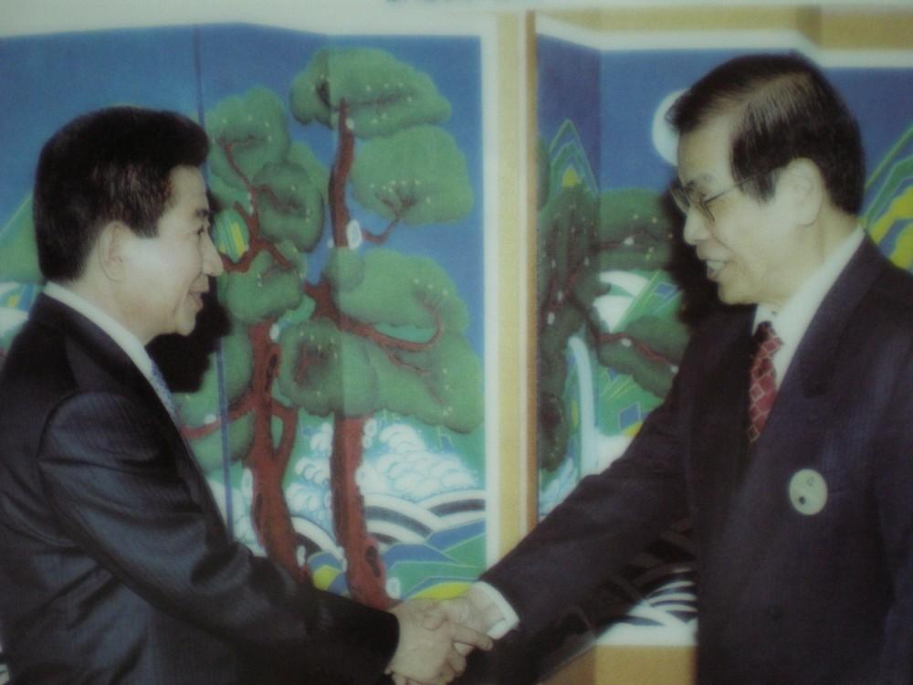 韓國總統盧武鉉會見丁楷恩主席