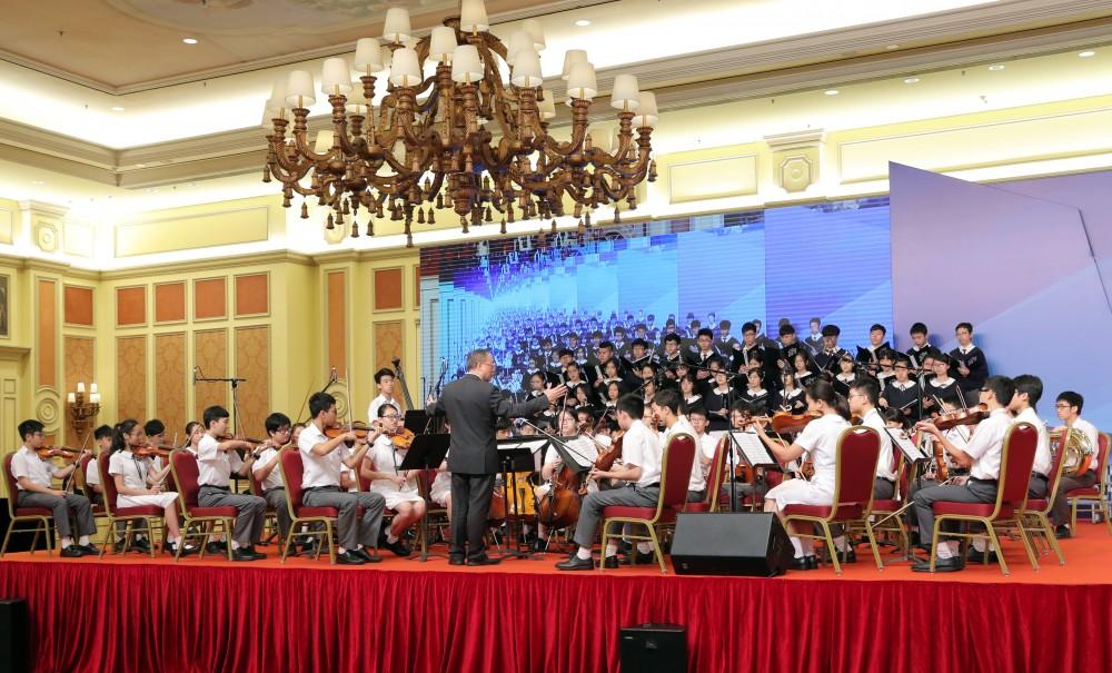 澳門培正中學管弦樂團及歌詠隊為大會獻唱及演奏