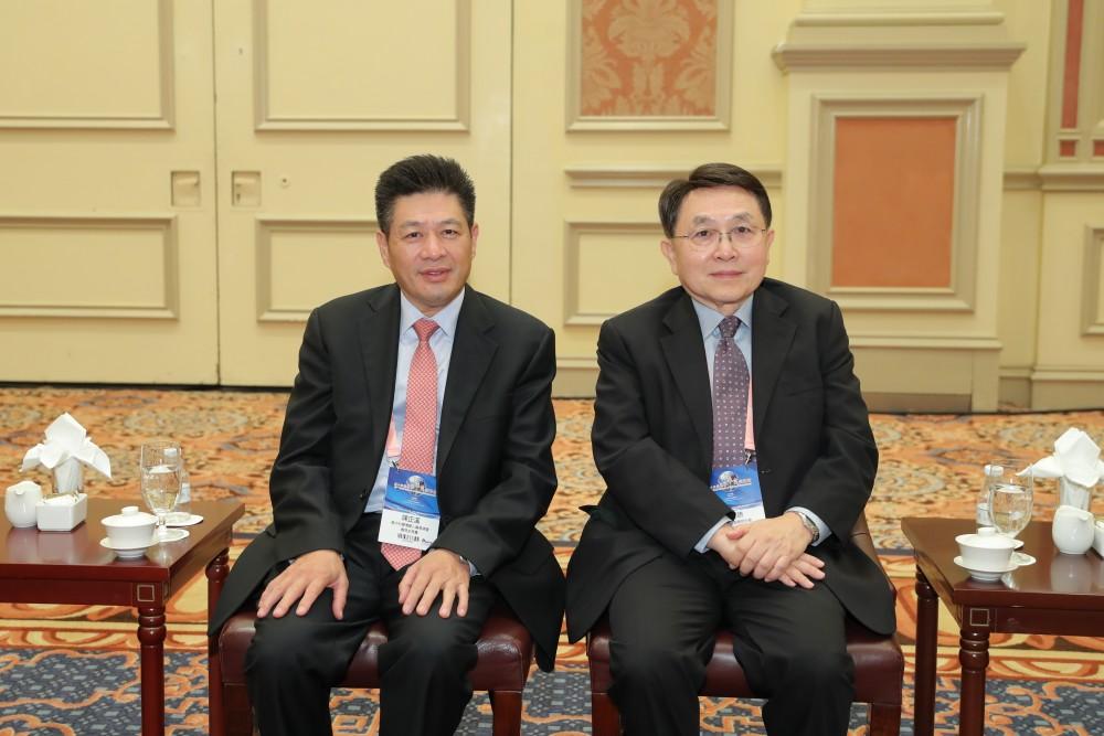 意大利中國總商會會長陳正溪先生和香港中華廠商會聯合會永遠榮譽會長尹德勝先生合影